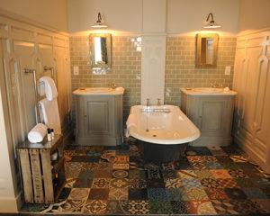 Bathroom_in_a_Spacious_Room
